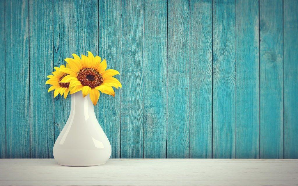 Sunflower Vase Vintage Retro Wall  - Yuri_B / Pixabay